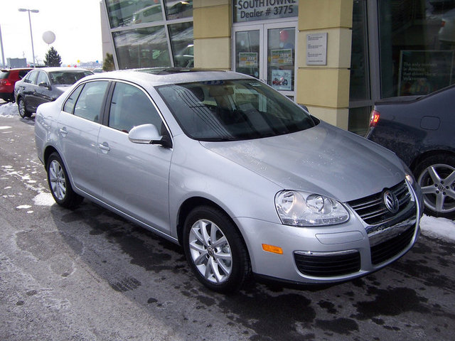 vehicle spotlight 2010 vw jetta se volkswagen southtowne. Black Bedroom Furniture Sets. Home Design Ideas